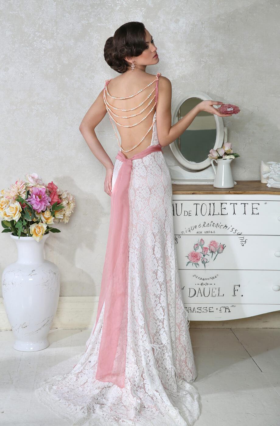 robe de mariée en couleur dos ouvert